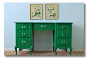paint-furniture-emerald