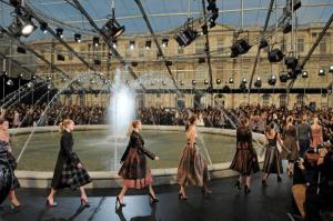 Louis Vuitton - PFW - Ready To Wear - Fall/Winter 2011 - Show